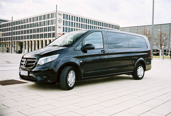 transporter mercedes vito 2016 diesel automatik 7 sitze in berlin berlin hauptbahnhof mieten. Black Bedroom Furniture Sets. Home Design Ideas