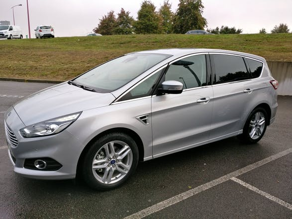 location ford s max 2016 diesel 7 places nantes 78 rue. Black Bedroom Furniture Sets. Home Design Ideas