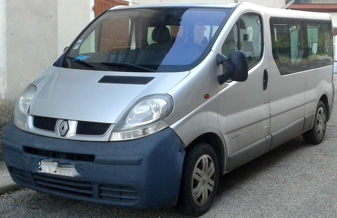 location minibus renault trafic combi 2006 diesel 9 places tauliers rue principale. Black Bedroom Furniture Sets. Home Design Ideas