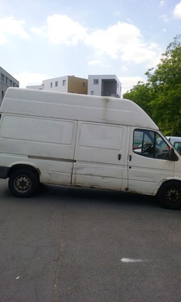 location utilitaire ford transit fourgon 1996 diesel montreuil 2 all e roland martin. Black Bedroom Furniture Sets. Home Design Ideas