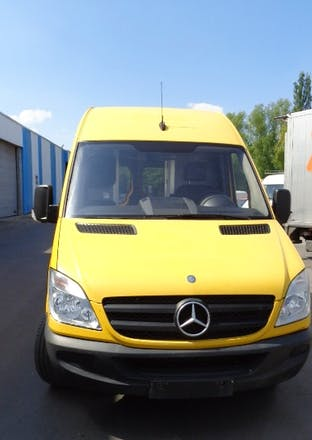 location utilitaire mercedes sprinter 2008 diesel automatique li ge rue cote d 39 or 28. Black Bedroom Furniture Sets. Home Design Ideas