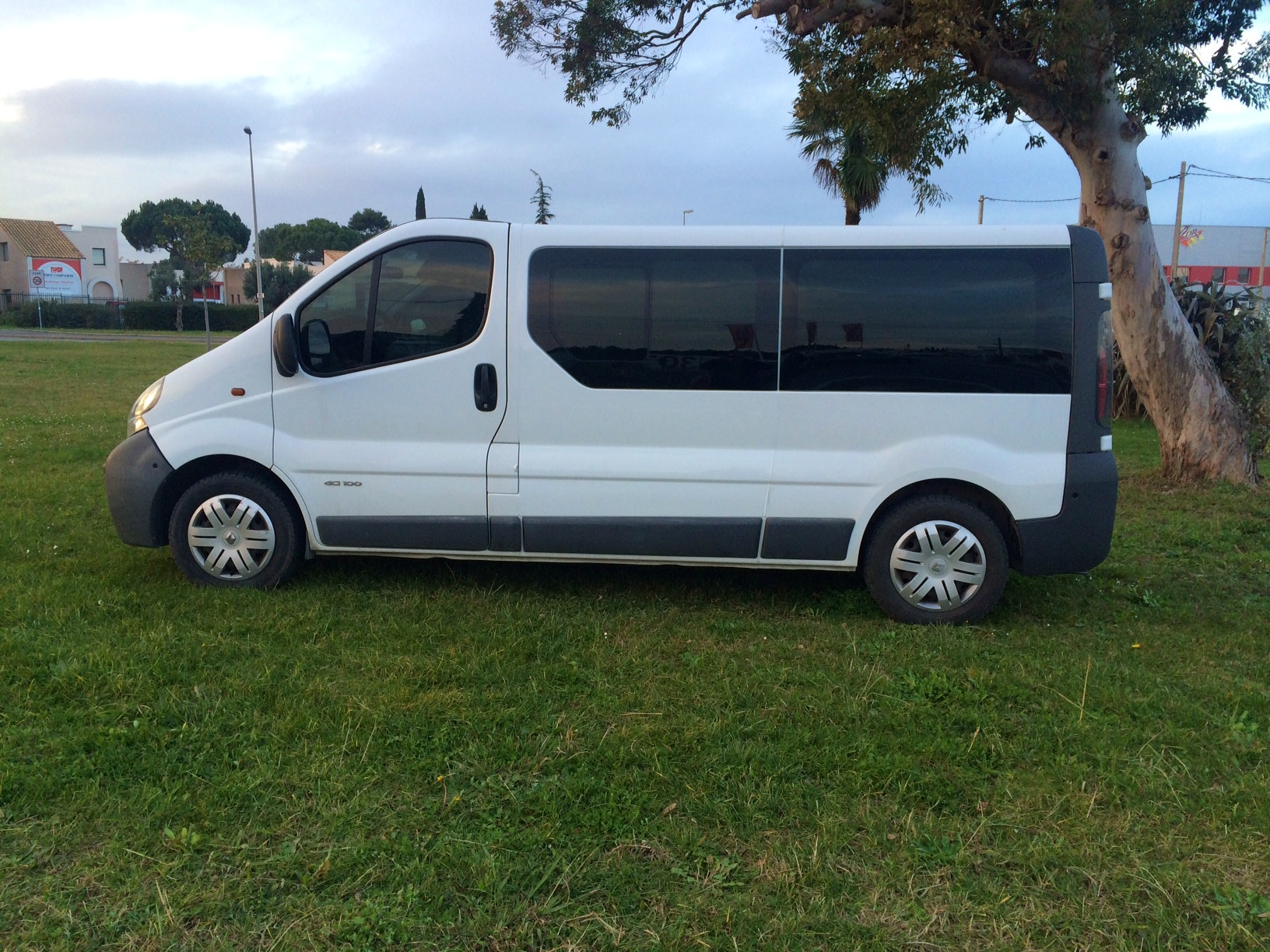 RENAULT TRAFIC 9 PLACES RALLONGE CLIM/CD, 2006, Diesel, 9 places et plus - Minibus Montpellier (34)