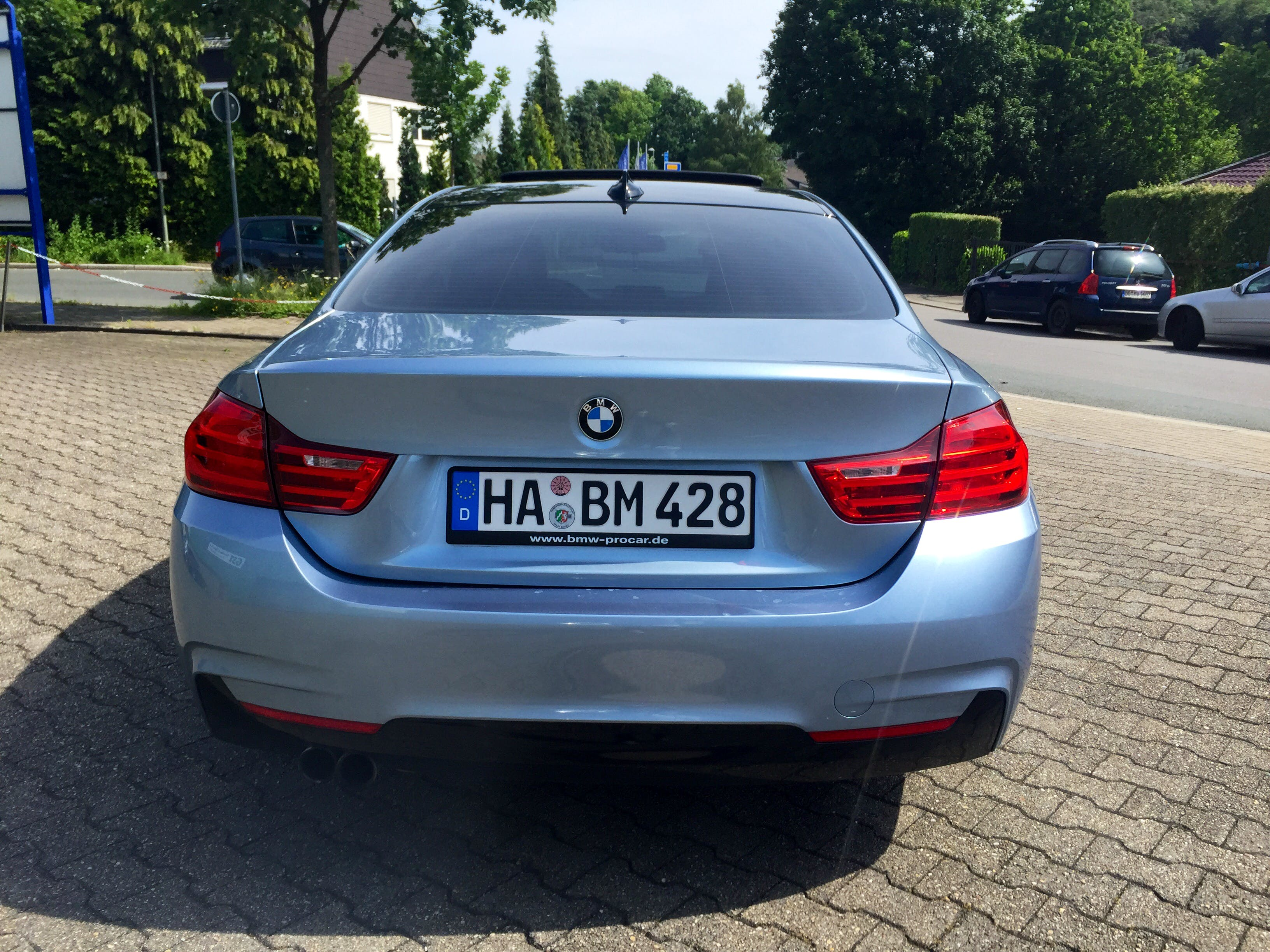 BMW  428i Sport Coupe mit Kindersitz