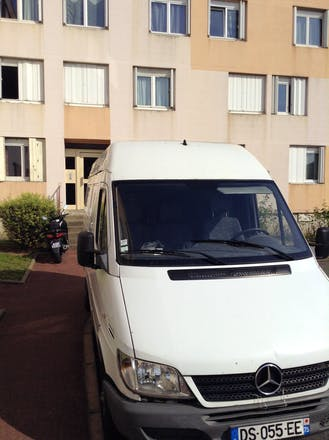 location utilitaire mercedes sprinter 2004 diesel paris rue voltaire. Black Bedroom Furniture Sets. Home Design Ideas