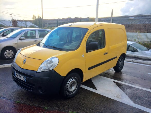 location utilitaire renault kangoo express 2010 diesel paris denfert rochereau. Black Bedroom Furniture Sets. Home Design Ideas