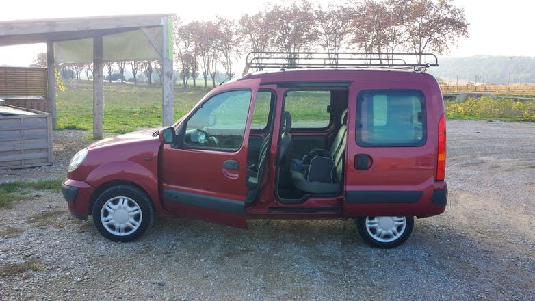 location renault kangoo 2003 diesel montpellier place auguste gibert. Black Bedroom Furniture Sets. Home Design Ideas