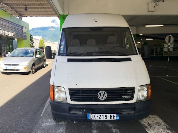 location utilitaire volkswagen lt 1998 diesel grenoble 93 avenue la bruy re. Black Bedroom Furniture Sets. Home Design Ideas