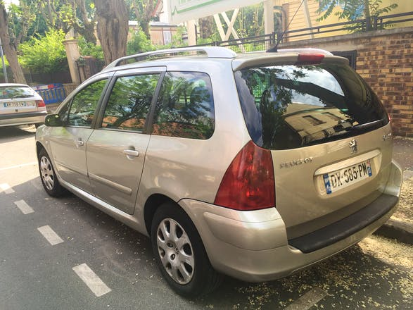 location peugeot 307 sw 2004 diesel 7 places le raincy 27 avenue thiers. Black Bedroom Furniture Sets. Home Design Ideas