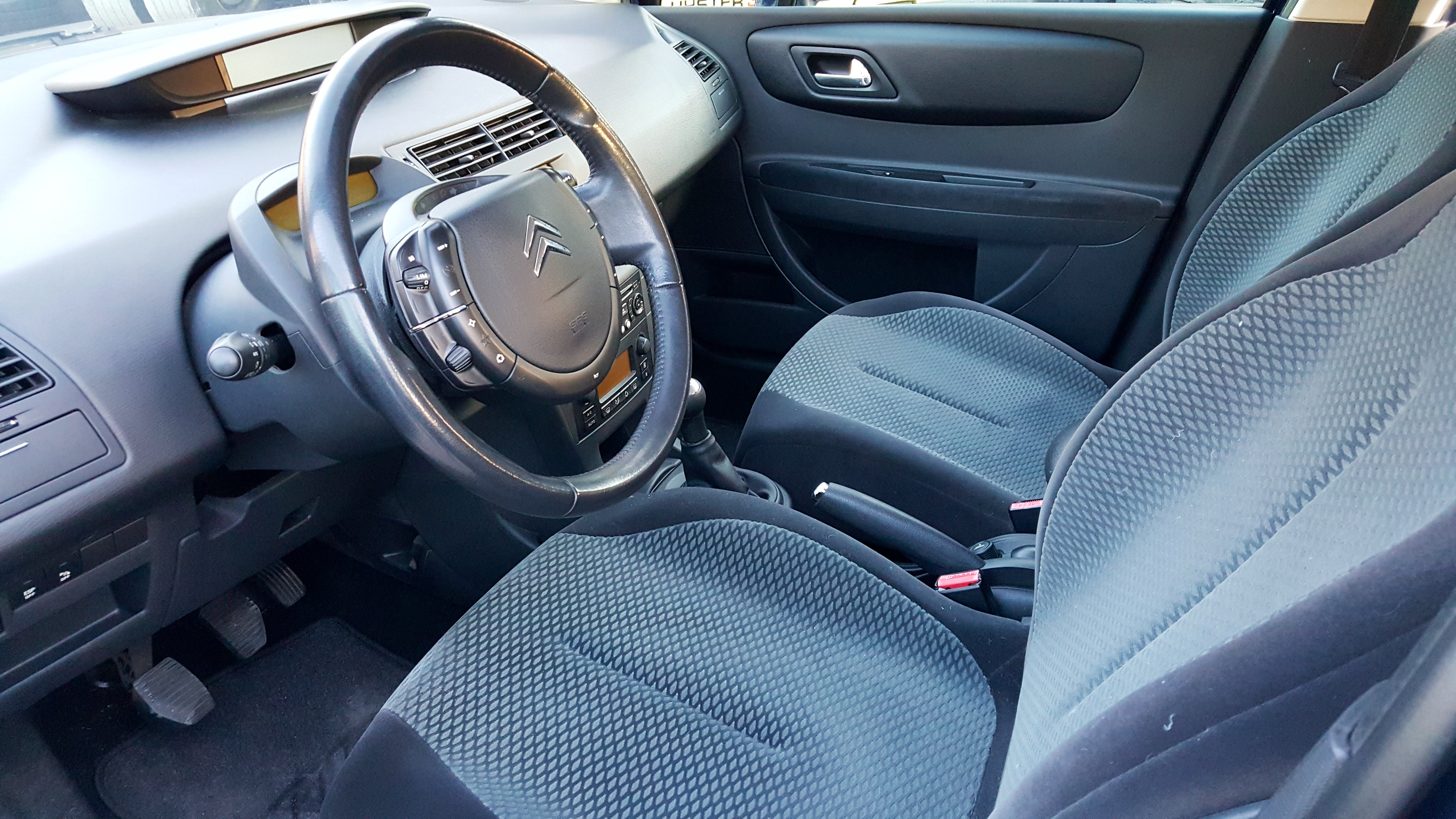 Citroen C4 1.6 HDI mit CD-Player