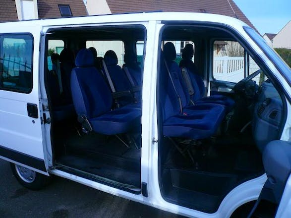 location minibus citroen jumper combi 2006 diesel 9 places montpellier 260 rue coligny. Black Bedroom Furniture Sets. Home Design Ideas