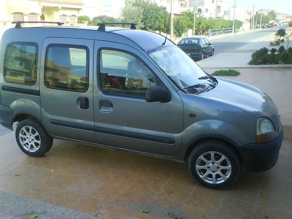 location renault kangoo 2000 saint tienne 14 rue paul. Black Bedroom Furniture Sets. Home Design Ideas