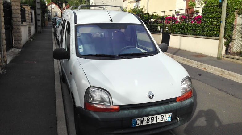 location renault kangoo 2002 diesel sannois 1 rue froidure harmant. Black Bedroom Furniture Sets. Home Design Ideas