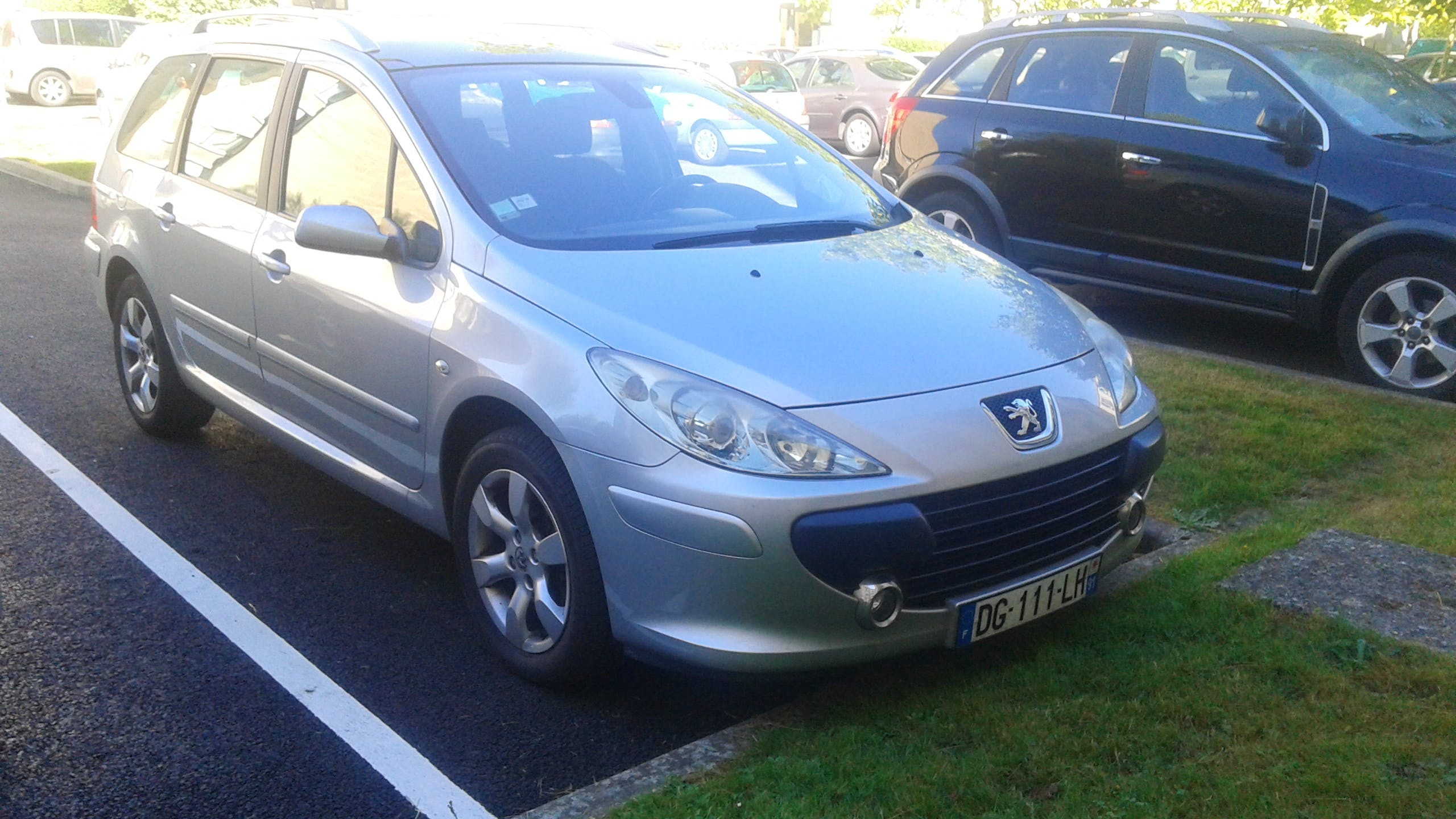 location peugeot 307 sw 2006 diesel automatique 7 places  u00e0 paris  place de barcelone