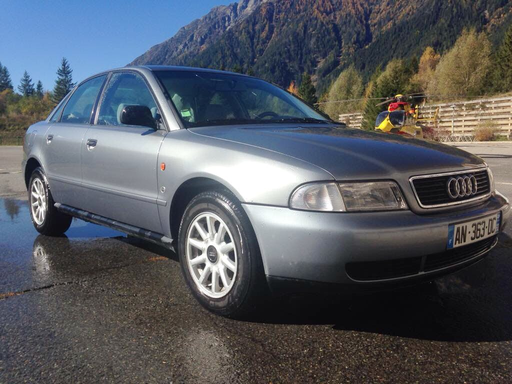 Audi A4 1,6 Ess pack confort, 1995, Essence