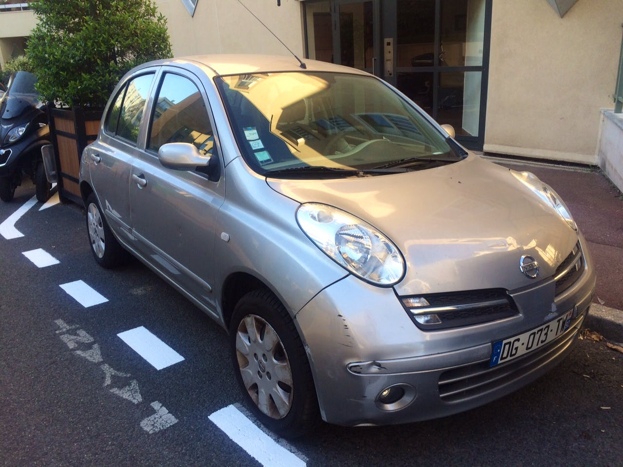 Location Nissan Micra 2007 224 Issy Les Moulineaux 9 Rue