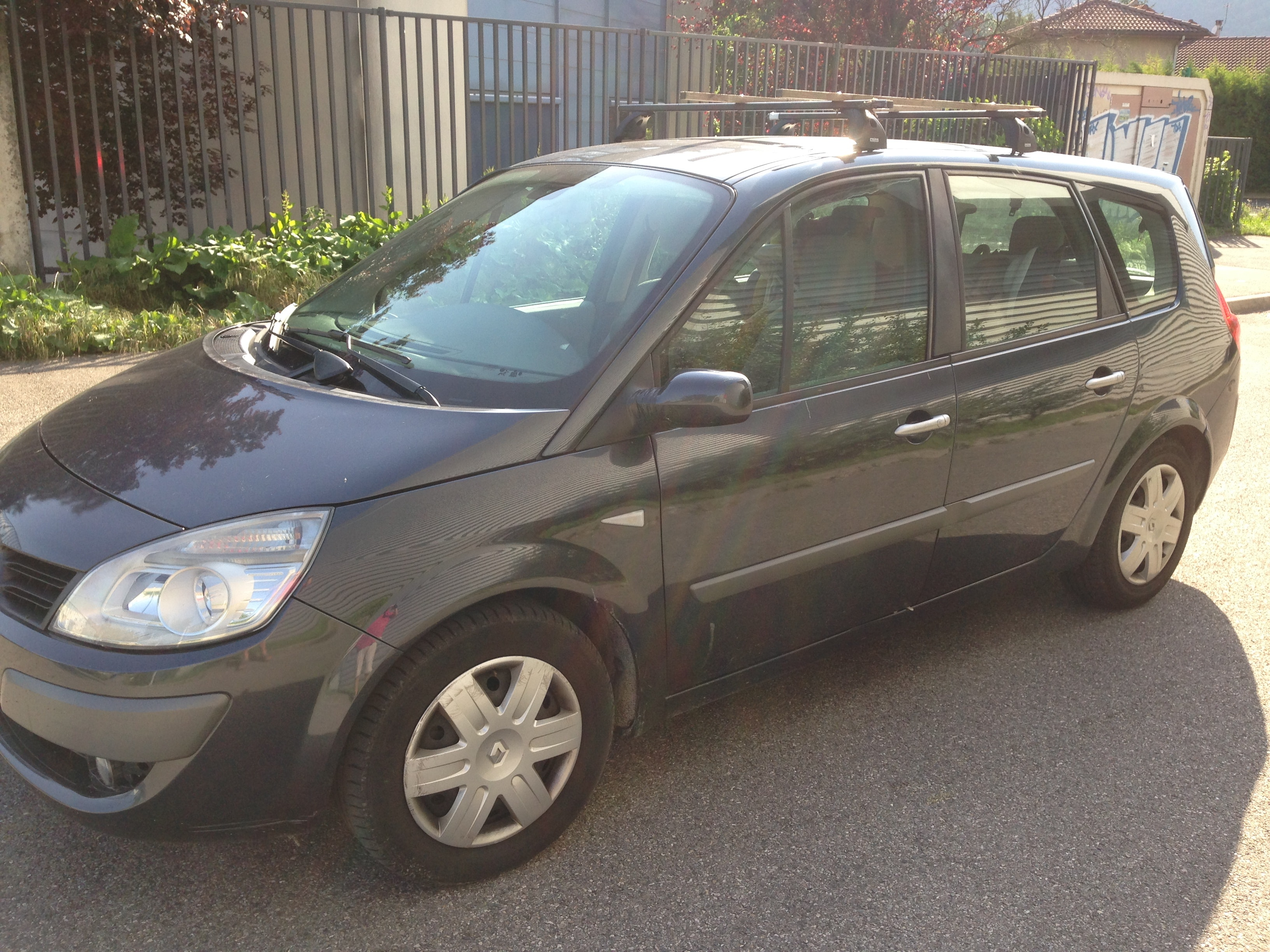 Renault GRAND SCENIC 1,5 DCI 105CH, 2009, Diesel, 7 places