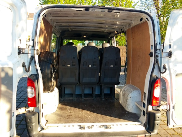 location minibus renault master combi 2008 diesel 9 places malz ville 11 rue du g n ral de. Black Bedroom Furniture Sets. Home Design Ideas
