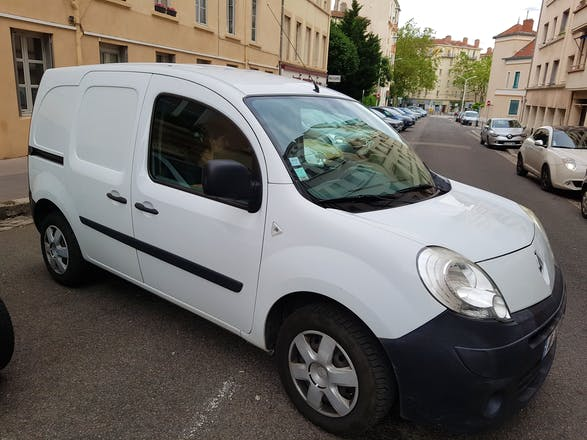 location utilitaire renault kangoo express 2009 diesel lyon 8 rue edouard millaud. Black Bedroom Furniture Sets. Home Design Ideas