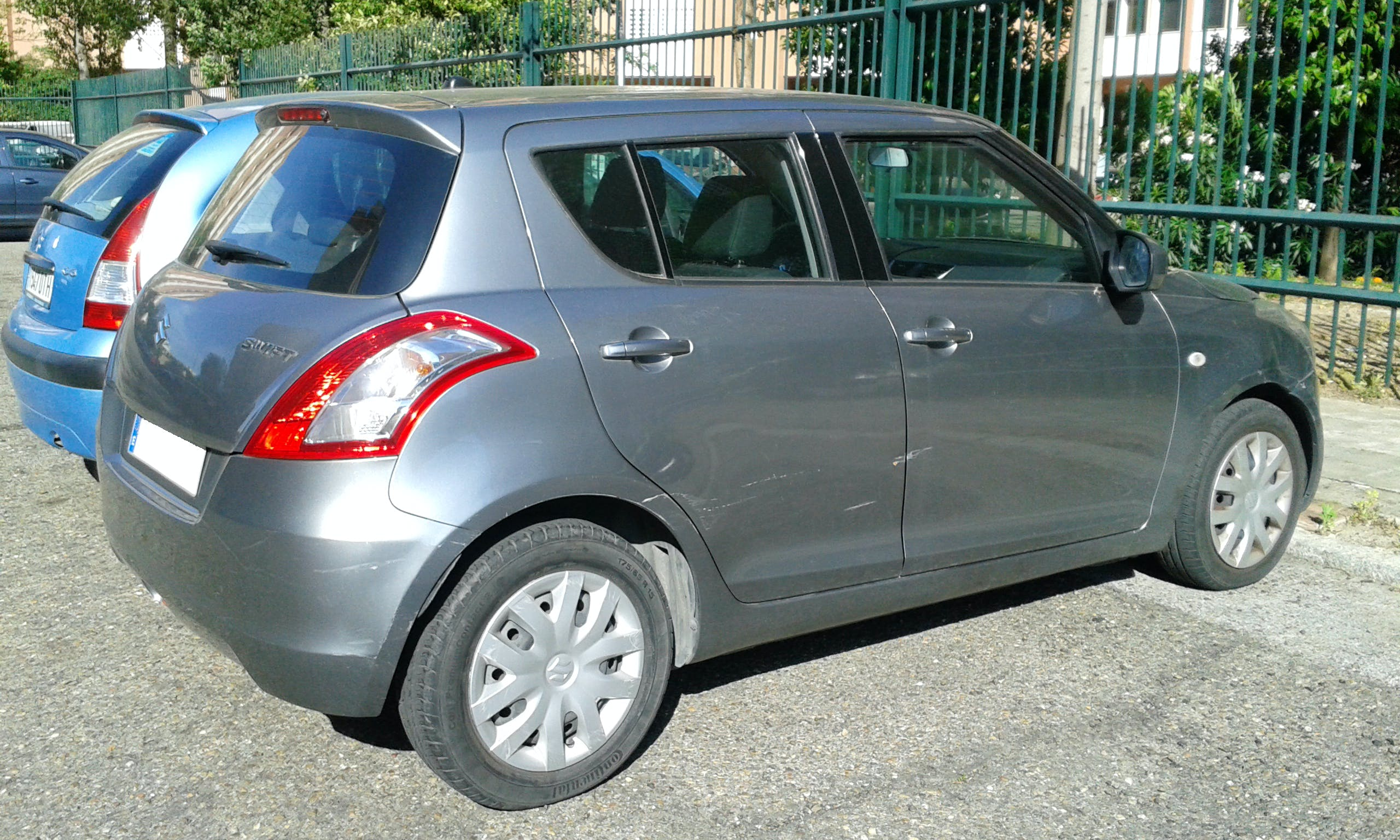 Suzuki swift con Reproductor de CD