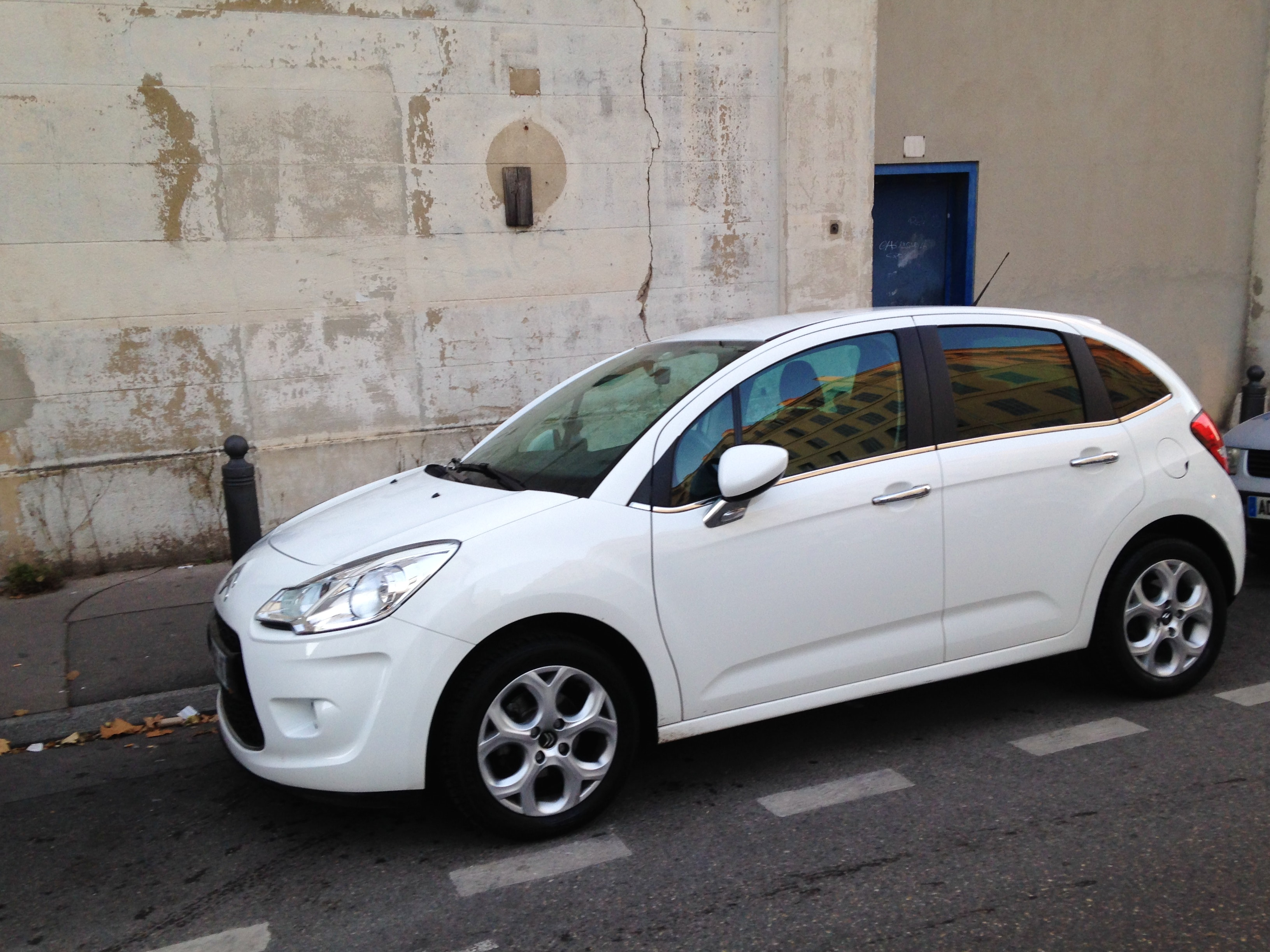 Citroen C3 AIRPLAY 70 CV HDI BLANCHE INTERIEUR NOIR BLANC ET PACK CUIR/CHROME, 2011, Diesel