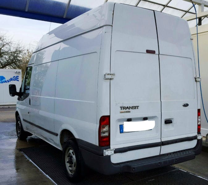 FORD Transporter mit Audio-/iPod-Zugang