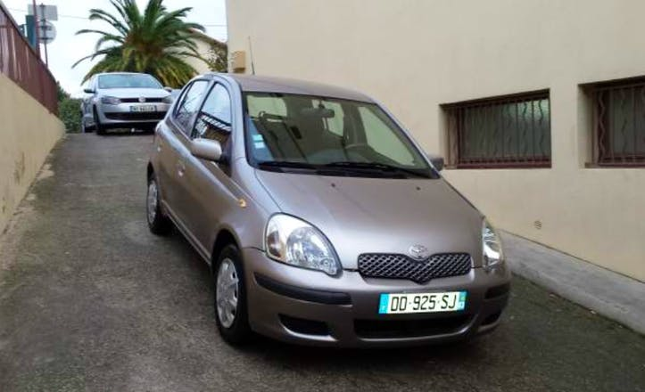 location toyota yaris 2005 diesel nice gare de nice ville. Black Bedroom Furniture Sets. Home Design Ideas