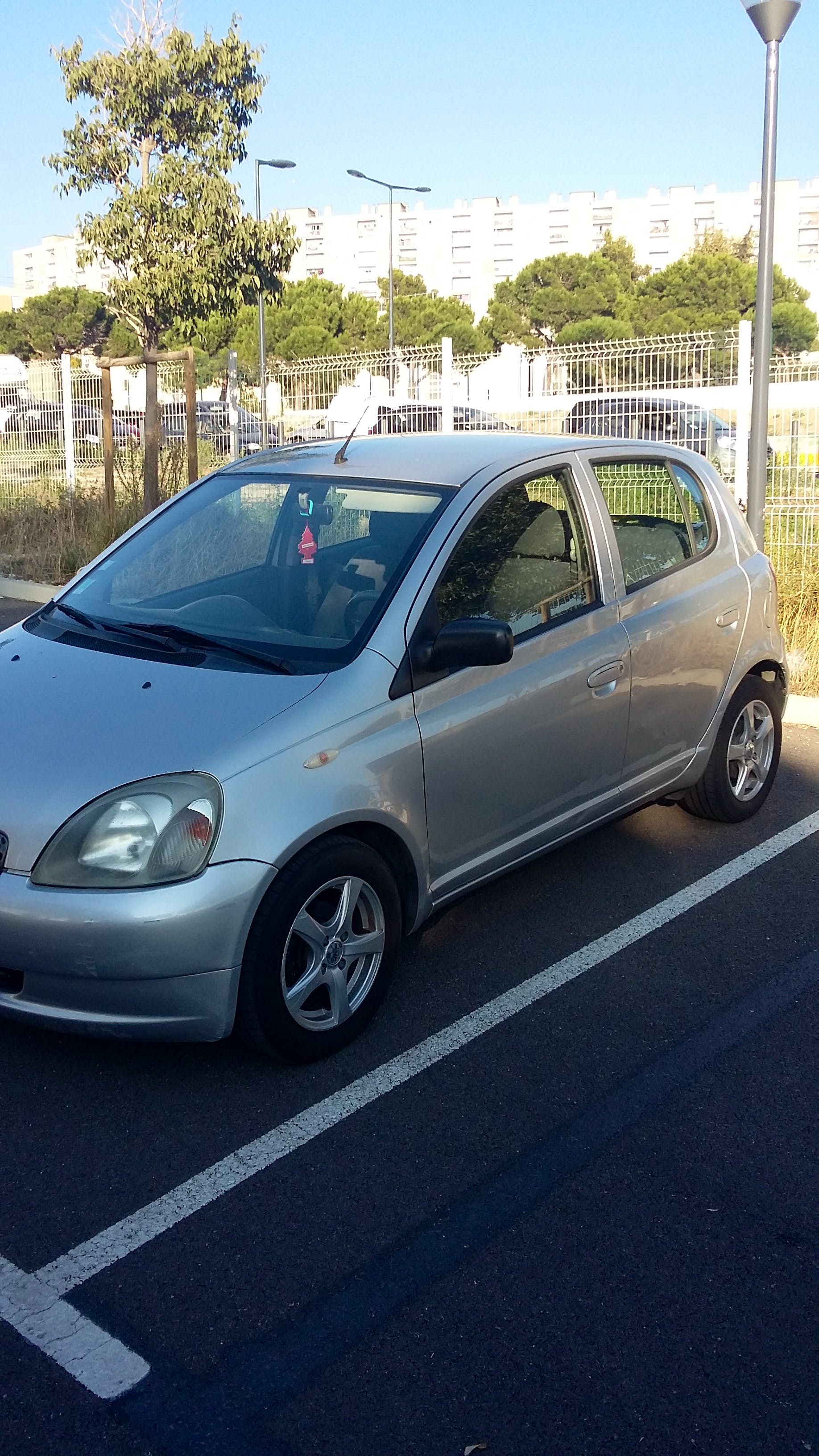 Toyota Yaris, 2002, Essence