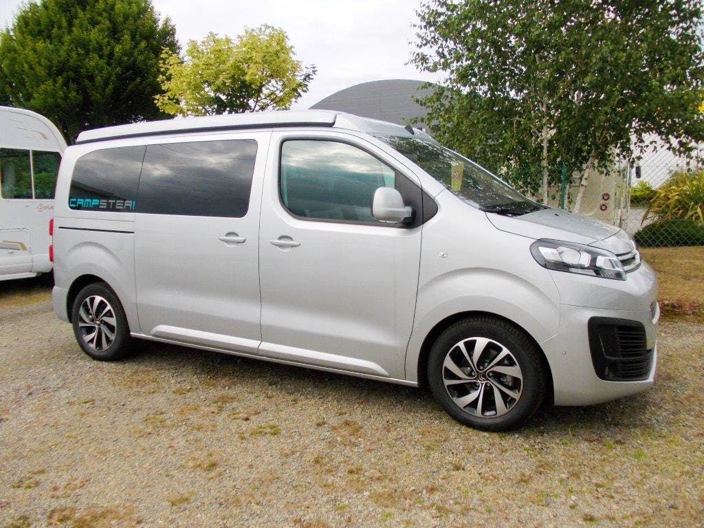Citroen Jumpy Multispace Campster (Spacetourer) 2l blueHDI 180cv avec Entrée audio / iPod