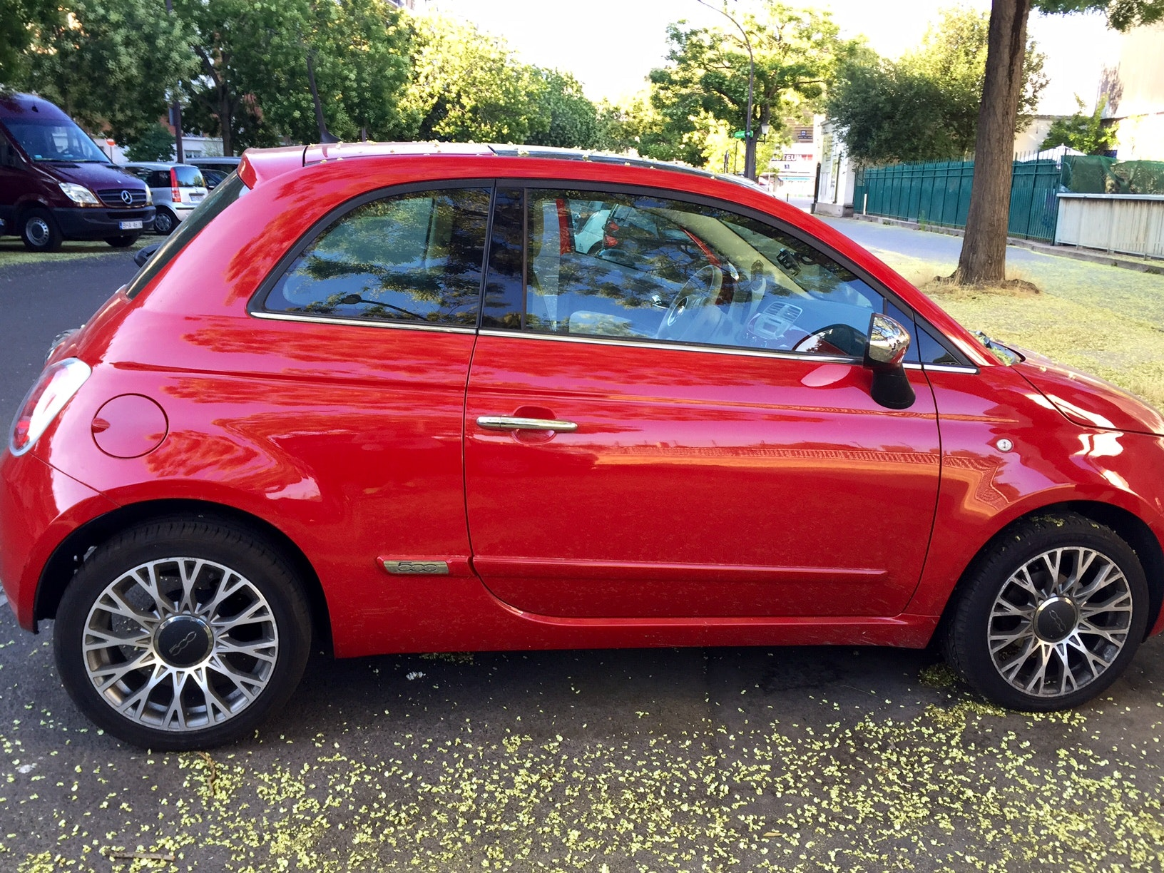 FIAT 500 LOUNGE ROUGE, 2013, Essence