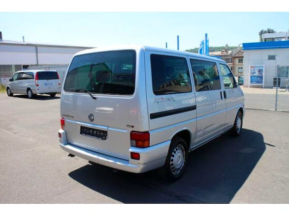 location minibus volkswagen multivan 2001 diesel 7 places saint malo 2 avenue de marville. Black Bedroom Furniture Sets. Home Design Ideas