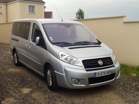 location minibus fiat scudo panorama 2012 diesel 8 places moyvillers 127 rue du pr millot. Black Bedroom Furniture Sets. Home Design Ideas