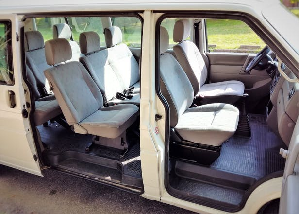 location minibus volkswagen caravelle 2002 diesel 8 places paris louvre rivoli paris france. Black Bedroom Furniture Sets. Home Design Ideas