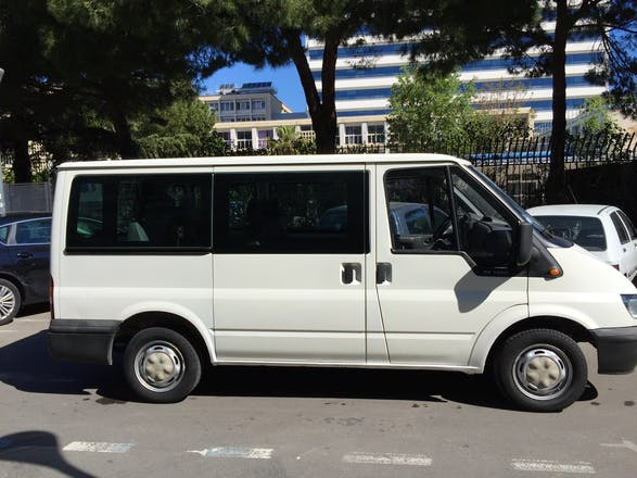 location minibus ford transit custom kombi 2006 diesel 9 places marseille 16 rue lulli. Black Bedroom Furniture Sets. Home Design Ideas