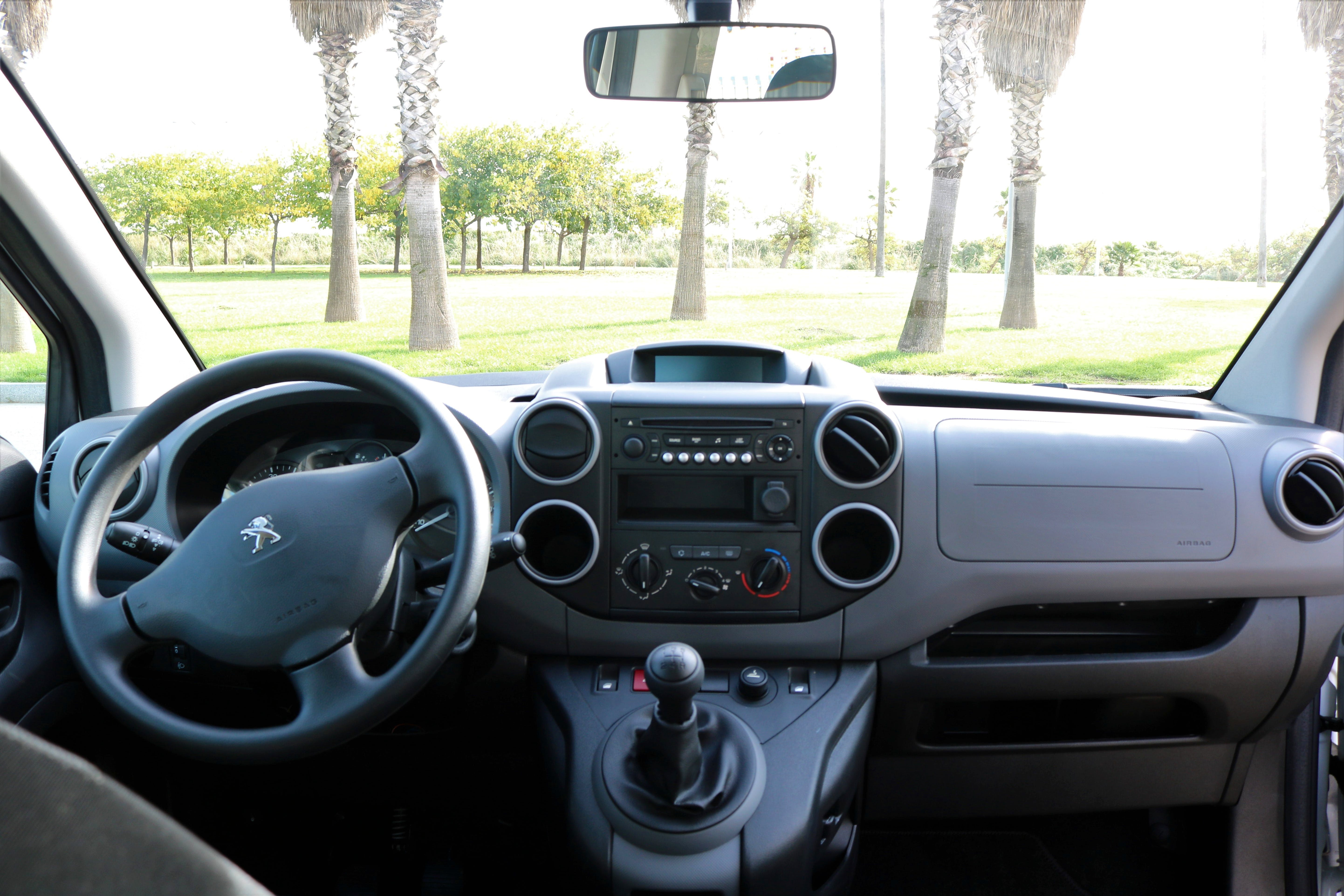 Peugeot Partner Tepee con Reproductor de CD
