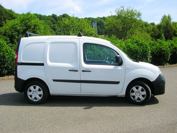 location utilitaire renault kangoo express 2011 diesel lexy 1 place du 11 novembre 1918. Black Bedroom Furniture Sets. Home Design Ideas