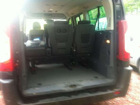 location minibus peugeot expert tepee 2011 diesel 9 places offranville. Black Bedroom Furniture Sets. Home Design Ideas