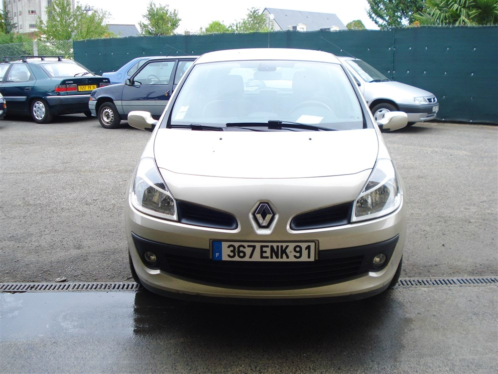 RENAULT CLIO 3 DYNAMIQUE PROACTIVE, 2007, Essence, automatique - Berline Paris (75)