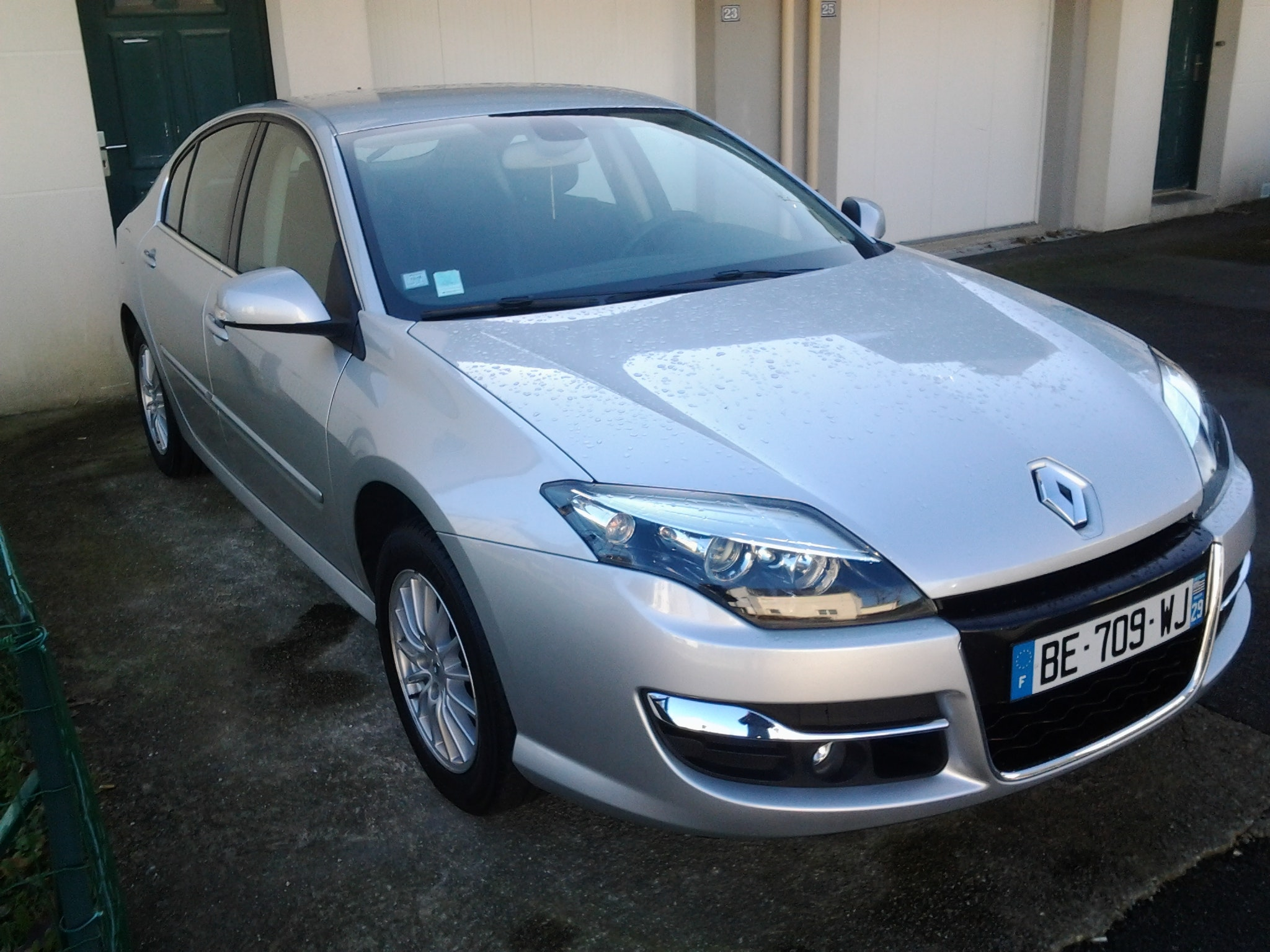 Renault laguna3 black edition 140cc, 2010, Essence