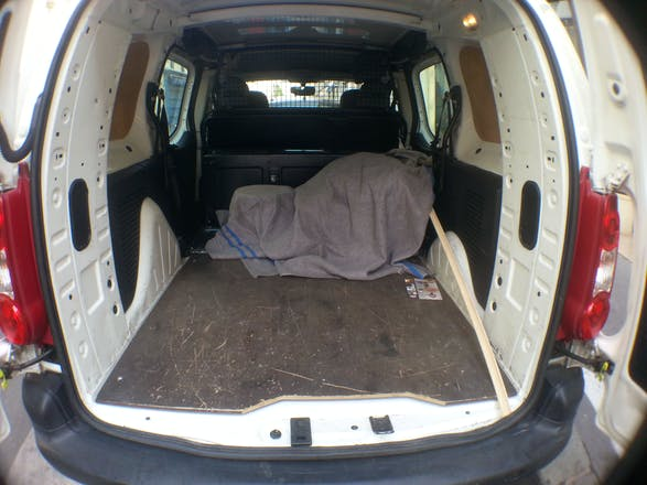 location utilitaire citroen berlingo 2010 diesel paris rue pernety. Black Bedroom Furniture Sets. Home Design Ideas