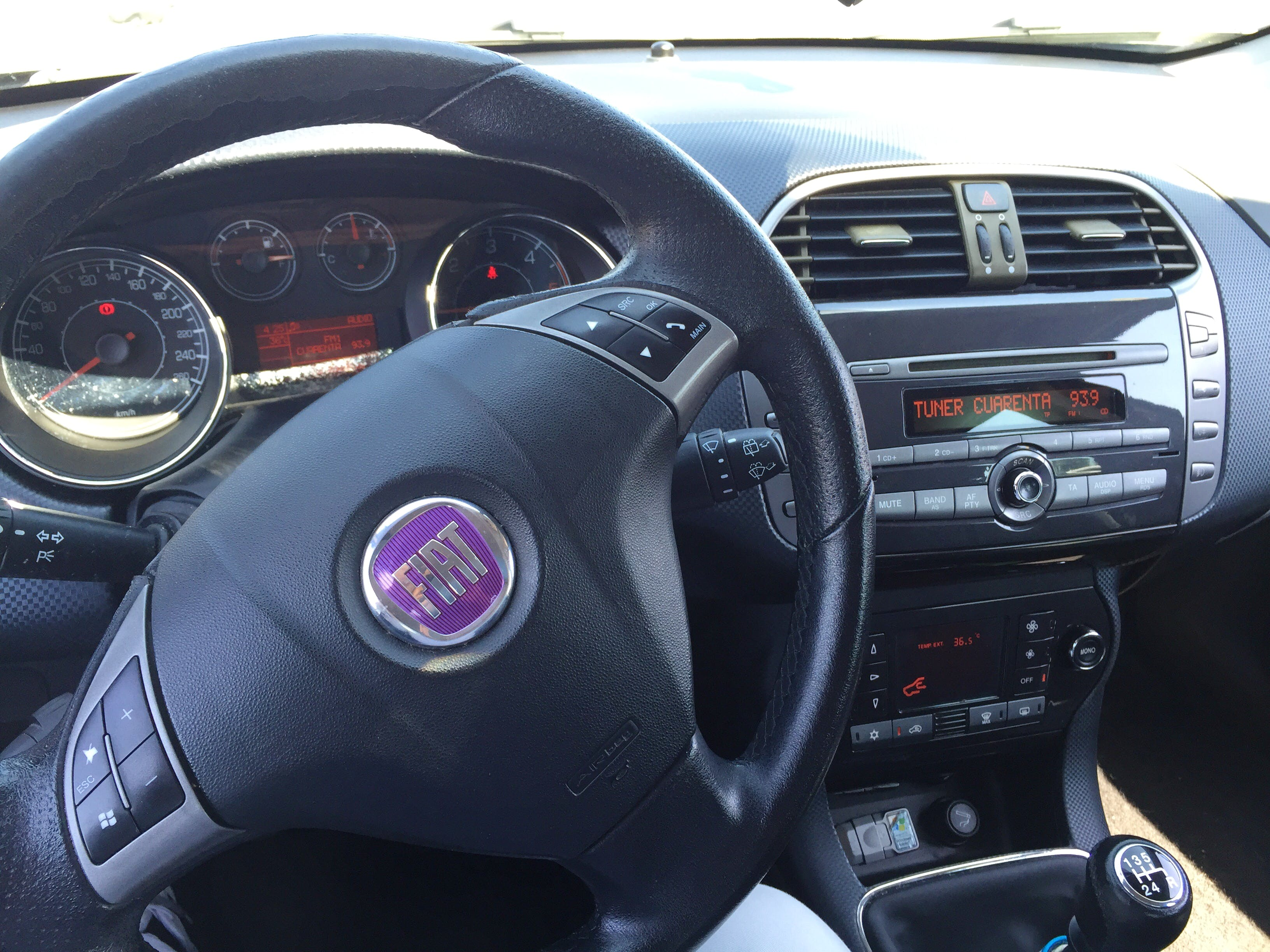FIAT BRAVO EMOTION 120 CV MULTIJET -NEGRO con Reproductor de CD