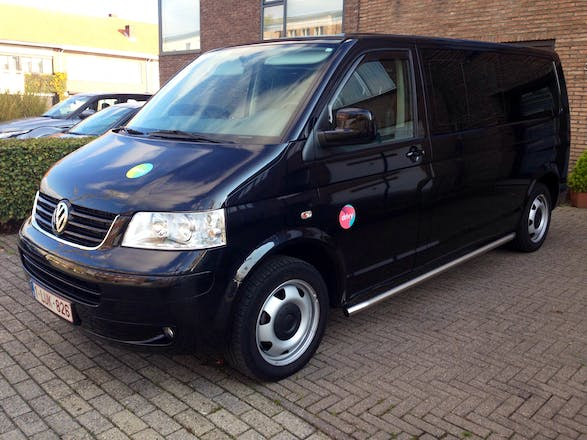 location minibus volkswagen caravelle 2008 diesel 8 places lint kapittellaan. Black Bedroom Furniture Sets. Home Design Ideas