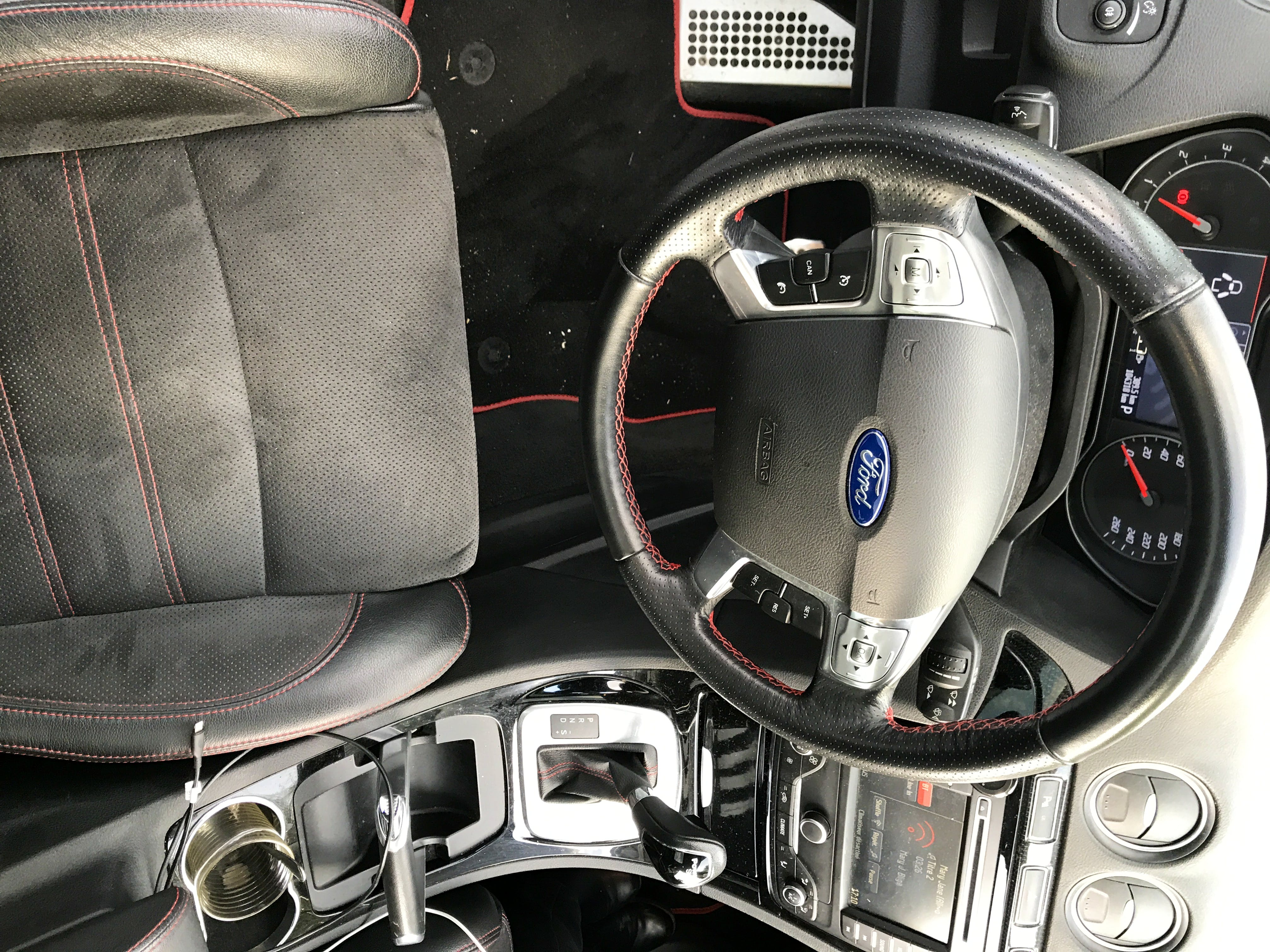 Ford S-Max avec GPS