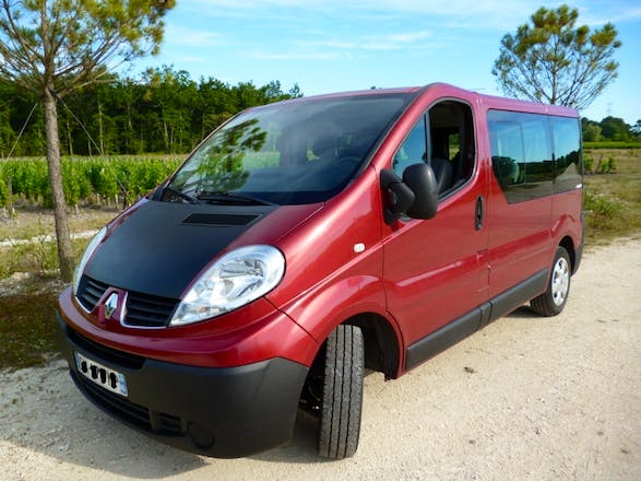 location minibus renault trafic passenger 2008 diesel 9 places bordeaux 1 quai de paludate. Black Bedroom Furniture Sets. Home Design Ideas