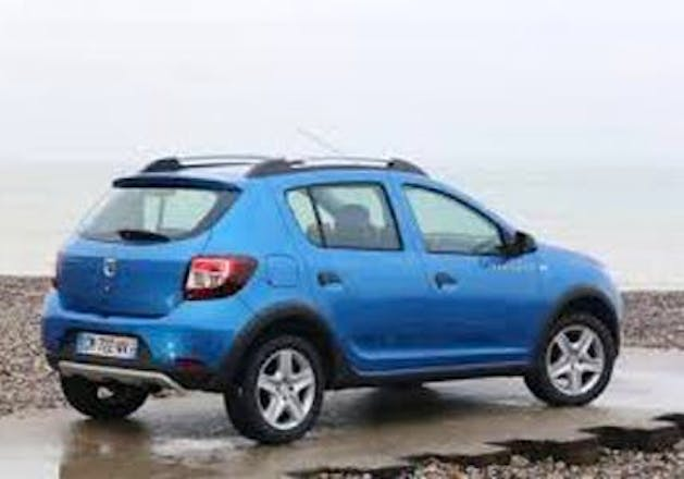 location dacia sandero stepway 2014 saint jean de luz saint jean de luz france. Black Bedroom Furniture Sets. Home Design Ideas